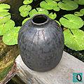 10-vase brun