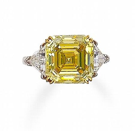 A_fancy_colored_diamond_and_diamond_ring