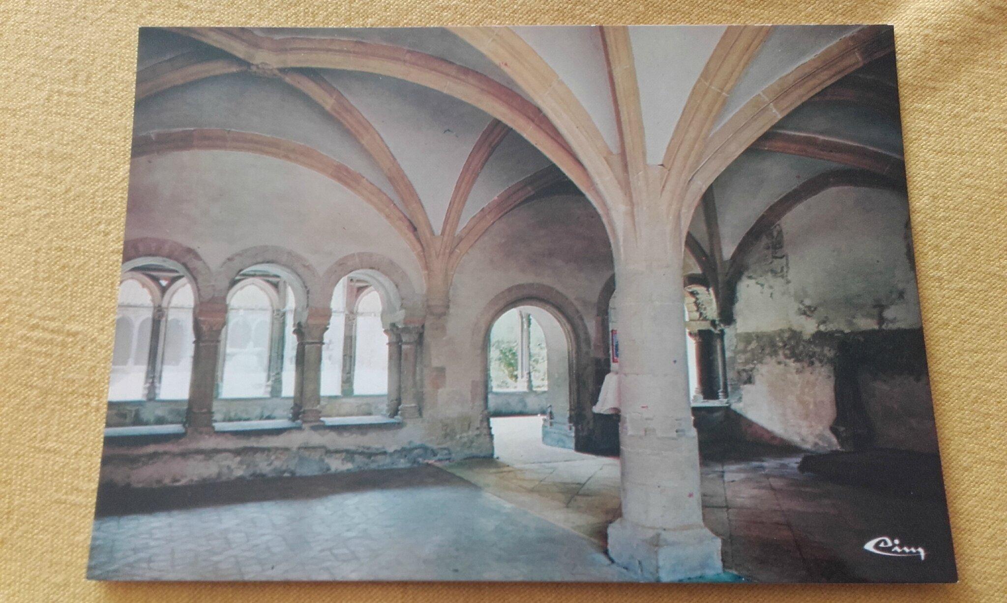 Charlieu - abbaye bénédictine - salle capitulaire