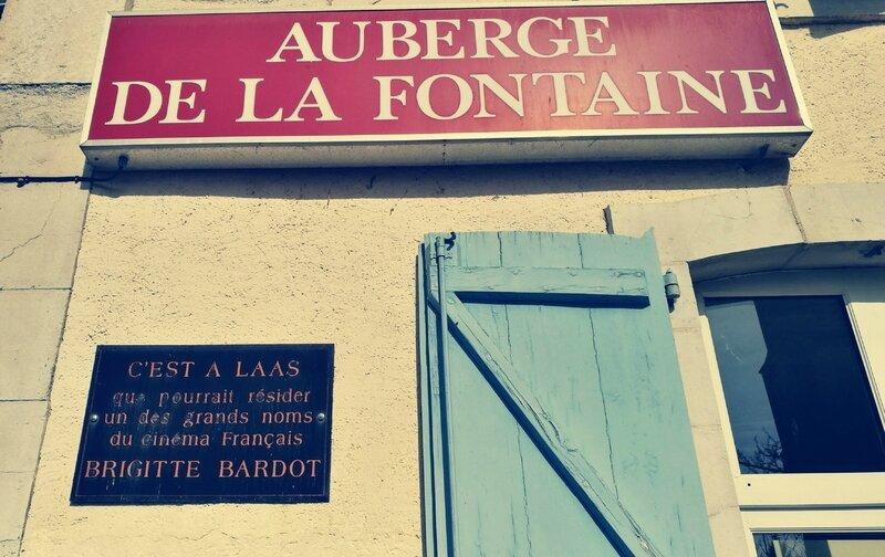 Laàs, auberge de la fontaine, Bardot (64)
