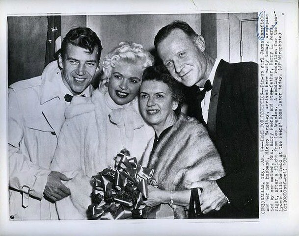 jayne-1958-01-14-with_family-1