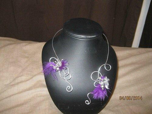 collier proposition pour Mélanie avec plumes violettes