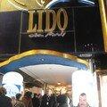 L'entrée du Lido, sur les Champs Elysées...