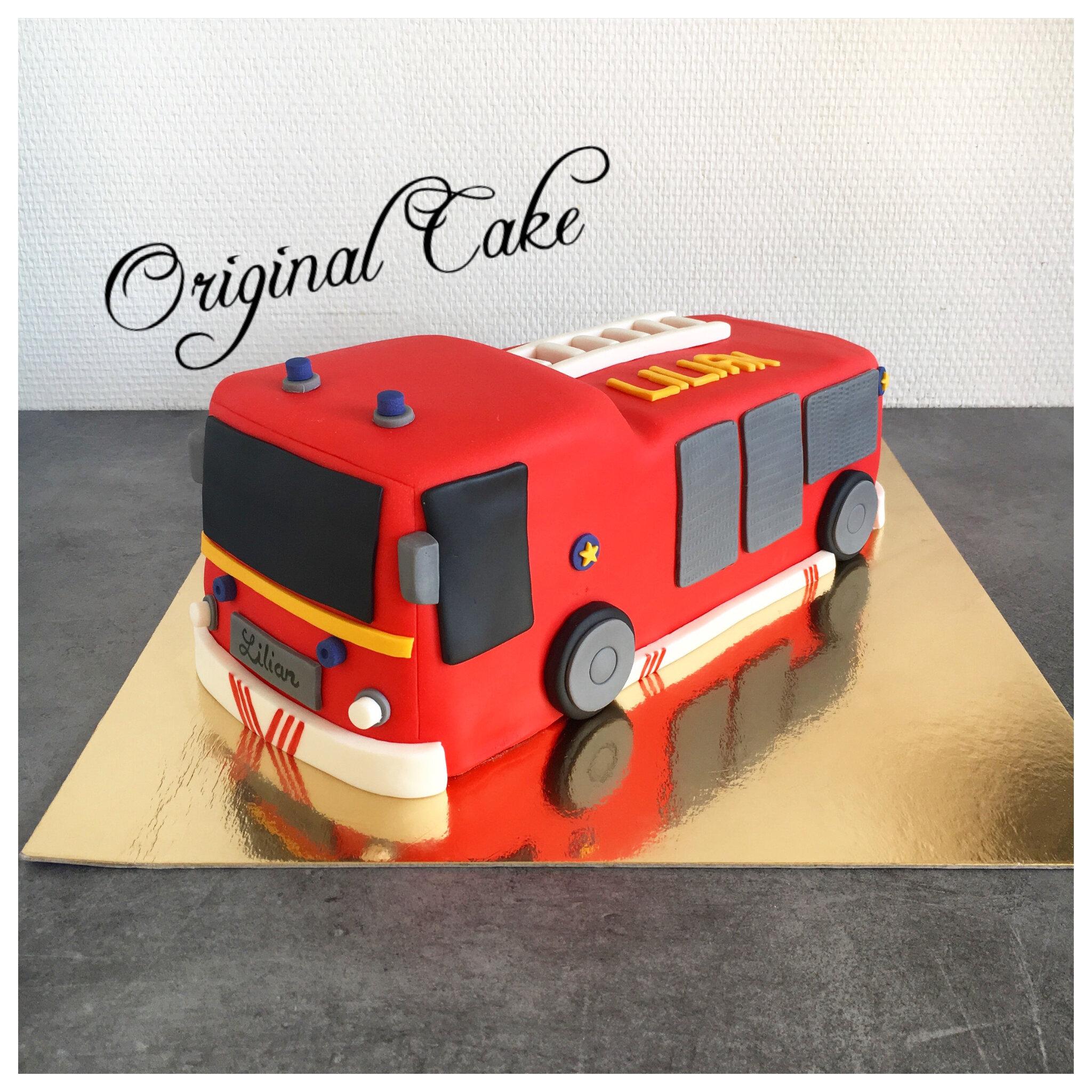 g teau camion de pompier original cake. Black Bedroom Furniture Sets. Home Design Ideas