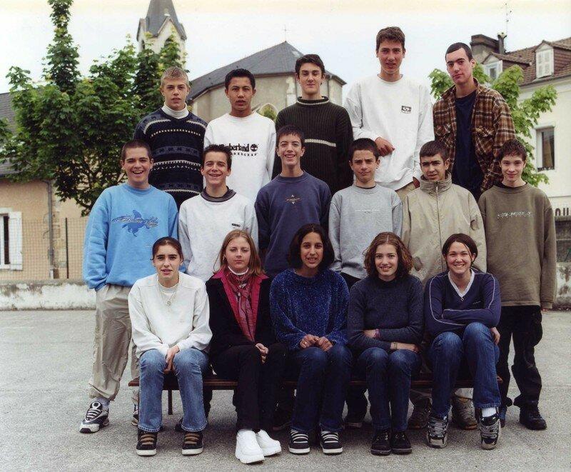 COLLEGE 2000 2001 3e A209