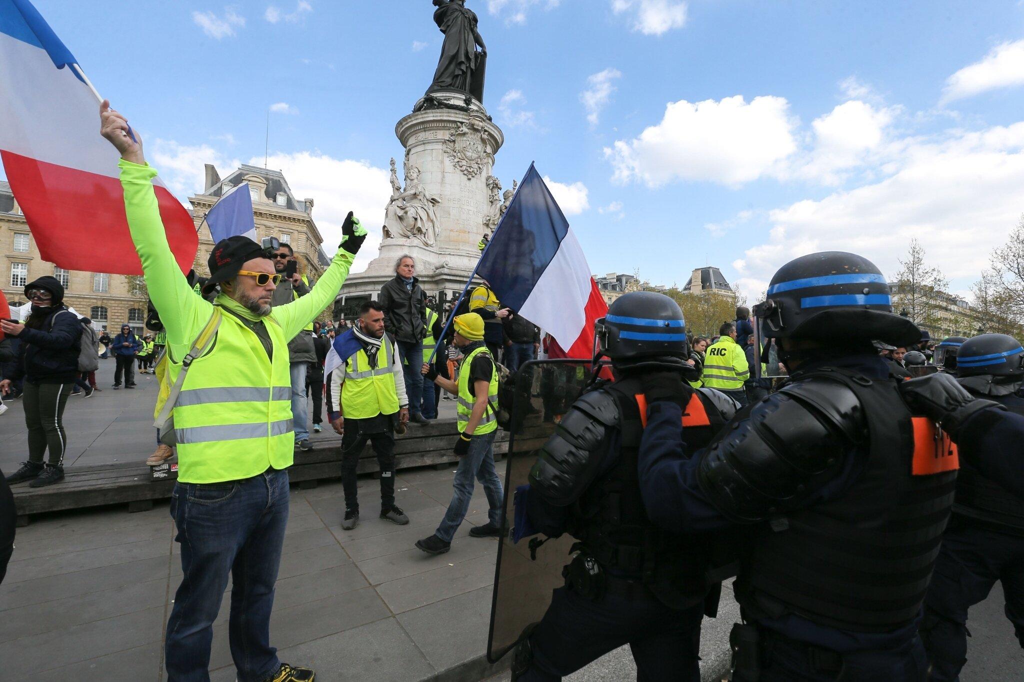 22e journée de mobilisation des Gilets jaunes. © Michel Stoupak. Sam 13.04.2019, 15h00m15.
