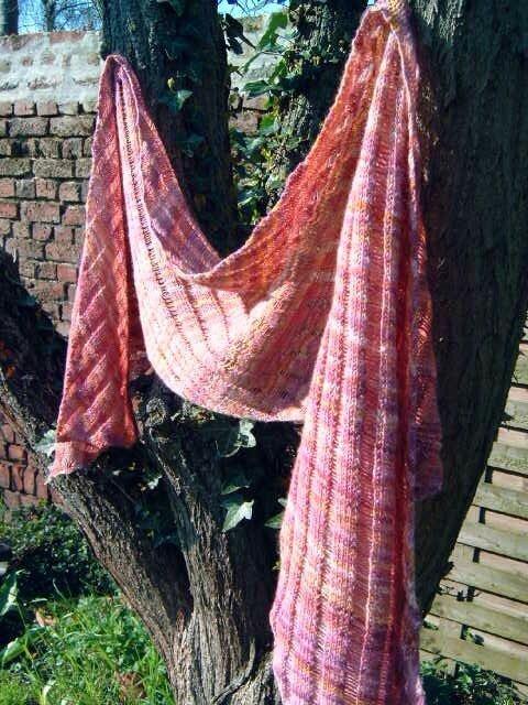 Clapotis, modèle gratuit sur Knitty