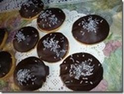 cookies-a-la-pate-d-amande-biscuits-chocolates.160x120[1]