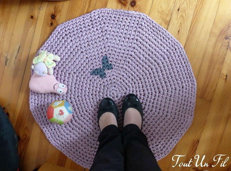 Tapis Zpagetti Trapillo Crochet Papillon Parme - Tout Un Fil 02
