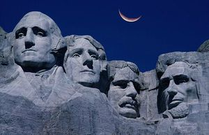 Mount-Rushmore-at-Night
