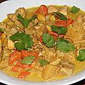 Curry de poulet a l'ananas et aux amandes