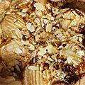 Tarte aux poires à la crème de parmesan et roquefort
