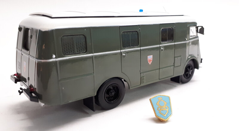 #16-Berliet GLB19R car CRS (3)