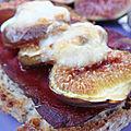 Bruschetta figues viandes des grisons et fromage de brebis