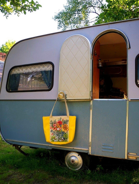 Jardin d'été caravane sac canevas En tête