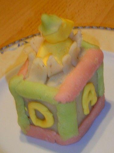Les cubes : thème du mois de février -Lic_ et ses gâteaux rigolo