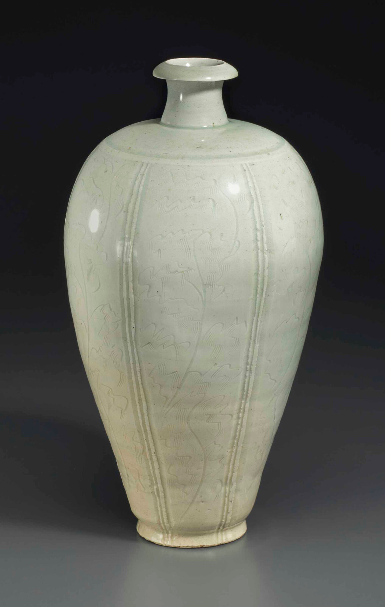 A rare large Qingbai ovoid vase, meiping, Southern Song dynasty (1127-1279)