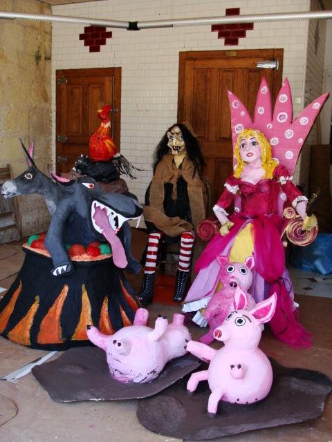 Perso' réalisé pour le Carnaval avec les parents d'école !