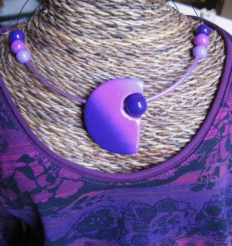 collier_violet_demilune