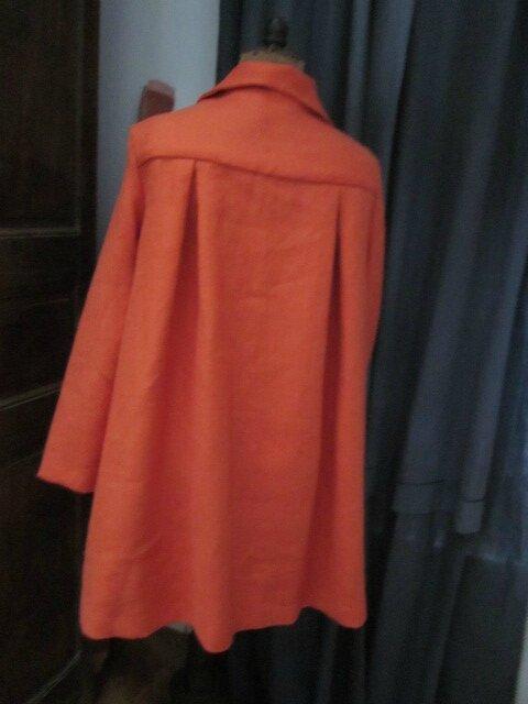 Manteau AGLAE en lin orange noué d'un lien de lin brut (1)
