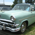 Ford sedan customline 1954 01