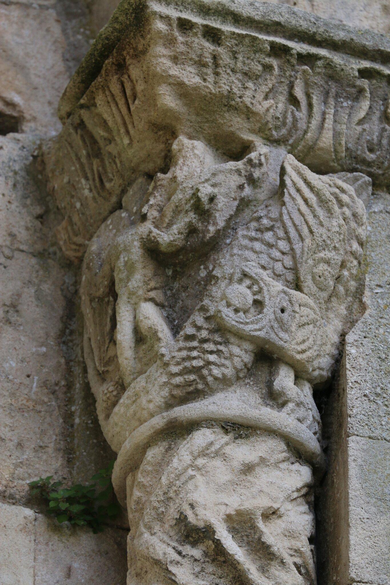 Daniel tuant le Dieu-Serpent Babylonien ...