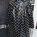 Ciré AGLAE en coton enduit noir à étoiles blanches fermé par 2 pression dissimulés sous 2 boutons recouverts (5)