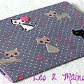 Des chats ... des coeurs ... du rose ... de la dentelle ... une mini-pochette à barrettes nomade !!