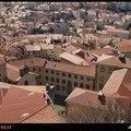 PUY-EN-VELAY - dedale de toits