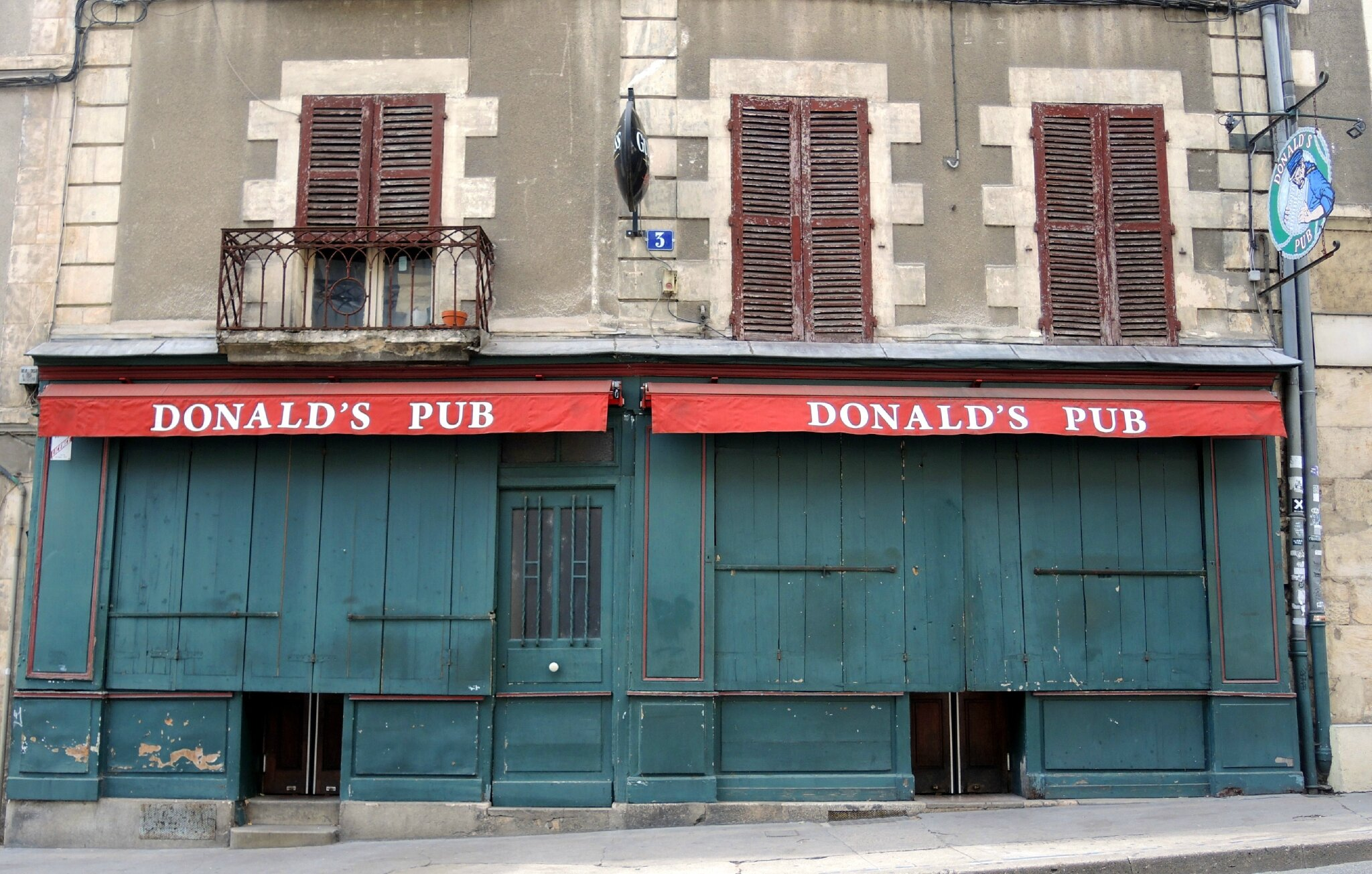 Nevers, Donald's Pub (58)