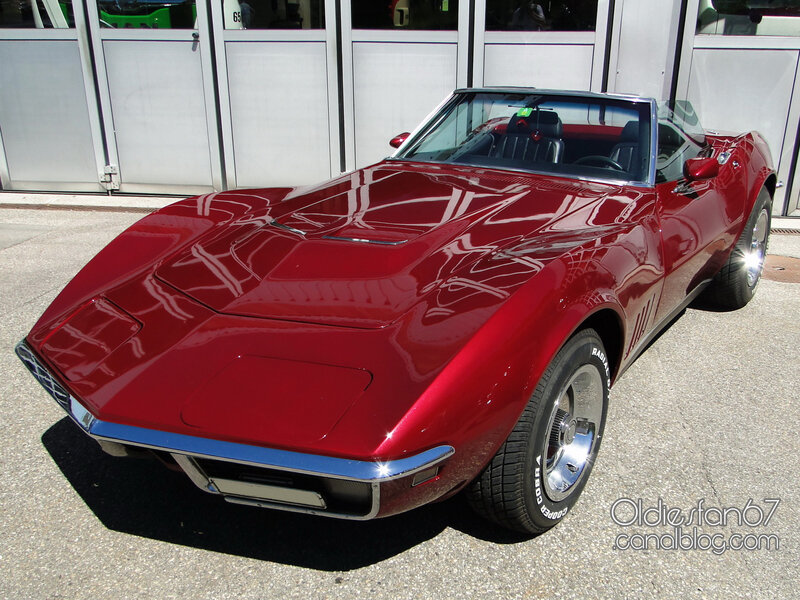 chevrolet-corvette-convertible-1968-01