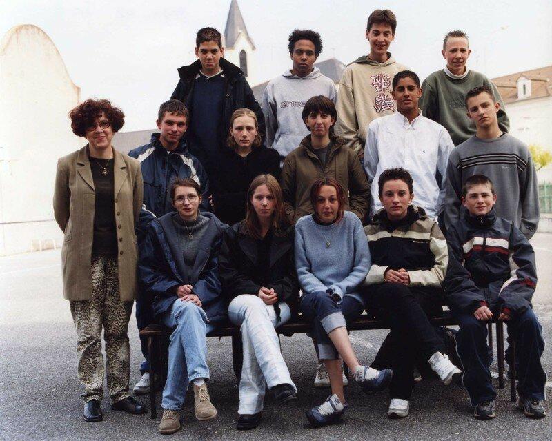 COLLEGE 2001 2002 3e A217