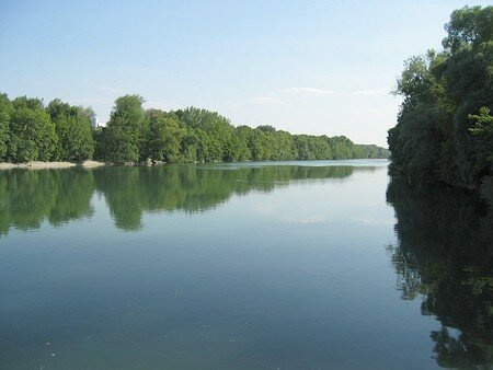 Isar_River_in_the_north_of_Munich