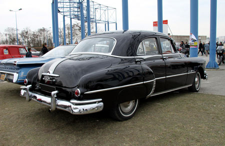 Pontiac_silver_streak_4door_sedan_de_1950__23_me_Salon_Champenois_du_v_hicule_de_collection__02