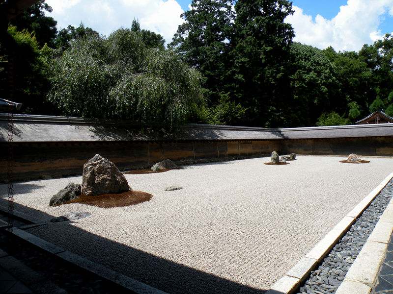 Le temple zen Ryoan-ji et son célèbre jardin sec ... - Le ...