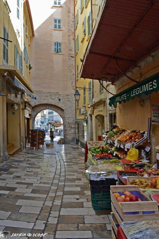 Rue Massillon - Vieille ville de Hyères