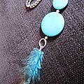 Pendentif perles disques bleus & plumes