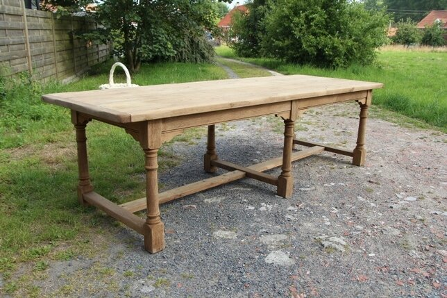 table-de-ferme-en-chene-decape-570686-fr-middle