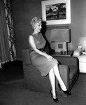 1954_04_15_Hollywood_031_Sit_020_Sofa_030
