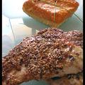 Dinde panée aux pistaches et sésame, tarte sans gluten au potiron