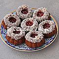 Gâteaux à la noix de coco, chocolat et graines de sésame