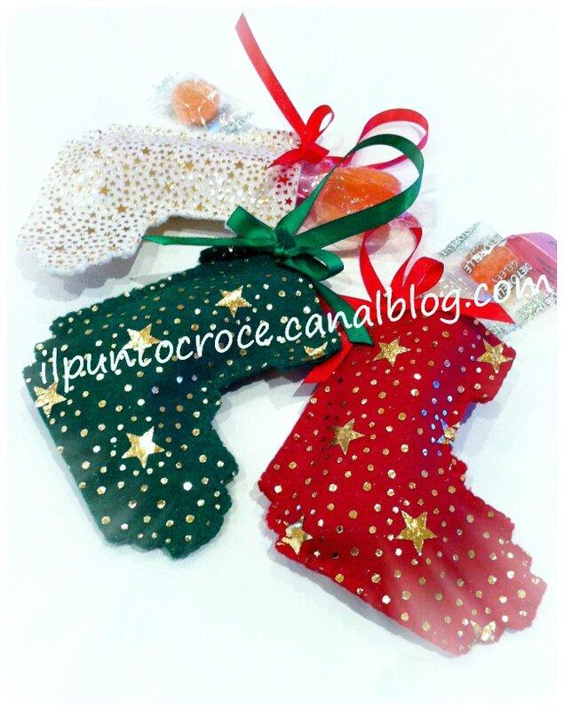 ornamento di natalae in feltro - mini calza natale 2