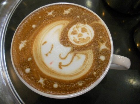 moon_latte_art_50_beautiful_and_delicious_latte_art