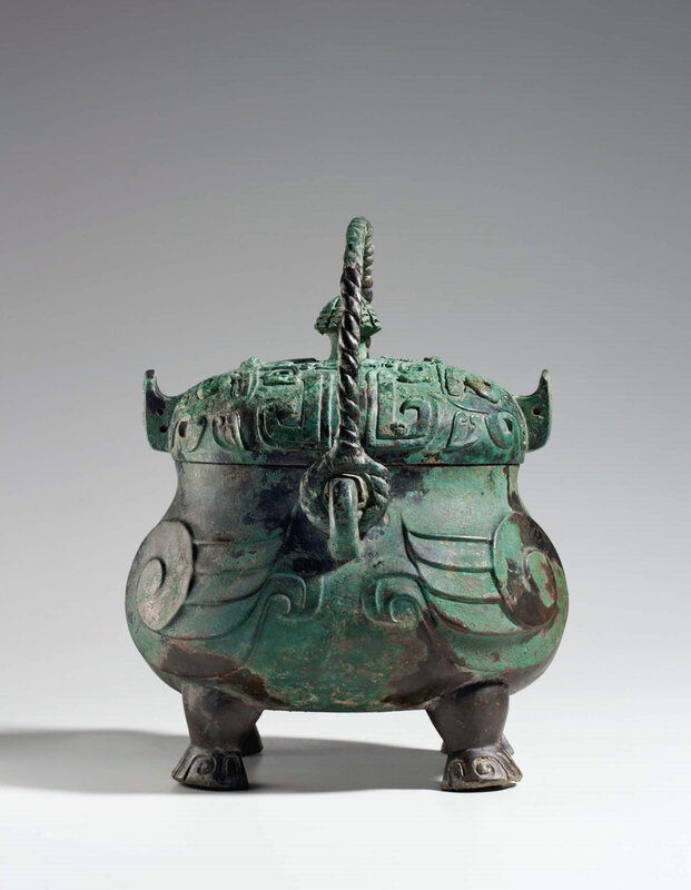 2013_NYR_02689_1220_002(a_very_rare_and_exceptional_bronze_ritual_owl-form_wine_vessel_xiao_yo) (2)
