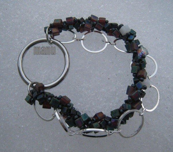 bracelet cubes