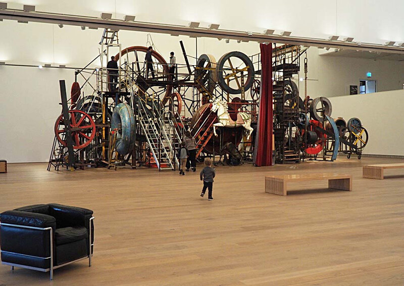 6-musee-tinguely-bales-suisse-architecture-ma-rue-bric-a-brac