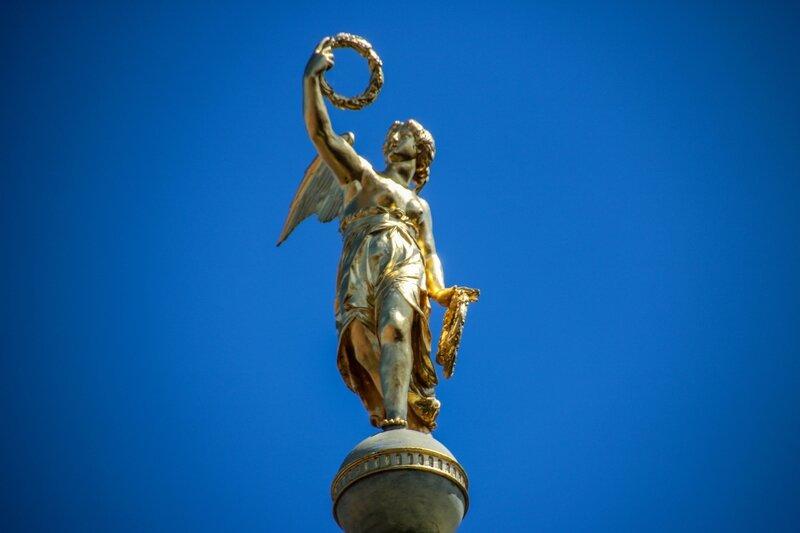 Statue de la Renommée