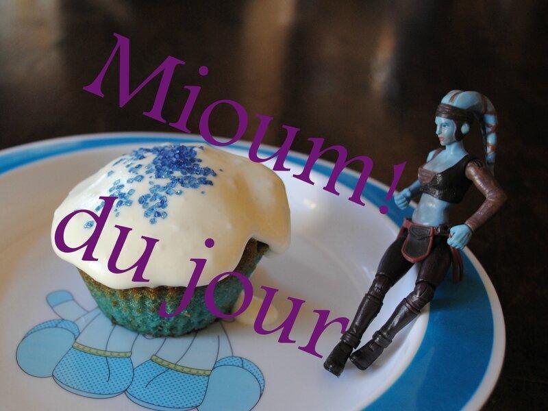 blue milk cupcake3