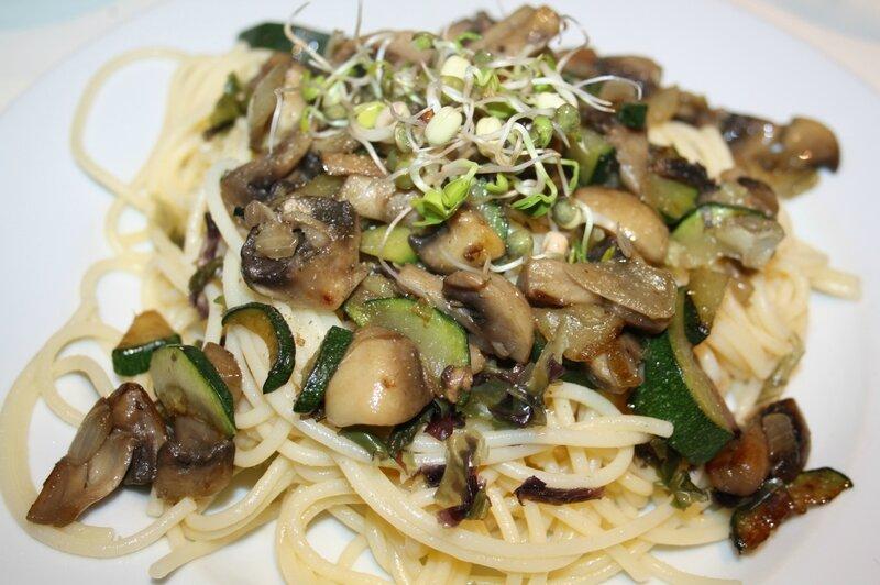 spaghettis algues courgettes champignons