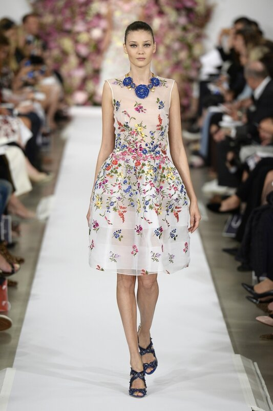 Oscar_de_la_Renta_Spring_Summer_2015_ready-to-wear_look_37__Catwalking